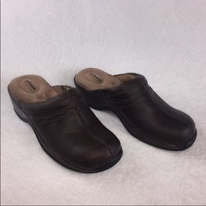 Softwalk Brown Clogs